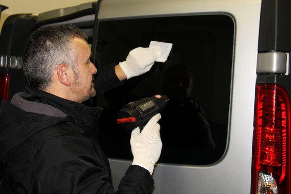 Oscuramento cristalli auto Torino - FM Centro parabrezza
