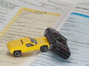 Guida alle componenti dell'assicurazione auto - FM Centro parabrezza